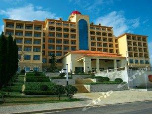 威宁朗玉草海度假酒店