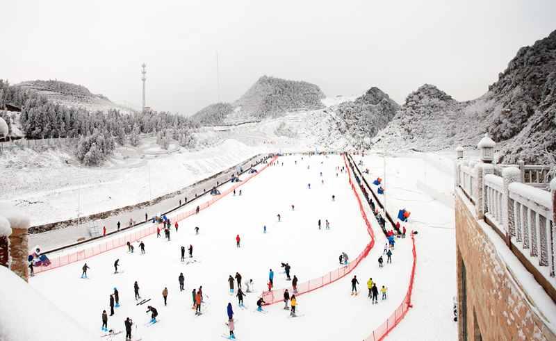 冰雪童话梅花山滑雪场_副本.jpg